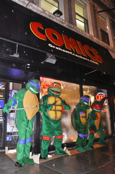 Lakeview Graham Crackers Comics invaded by Turtles